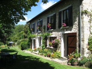 Farmhouse with private pool in the heart of Limousin