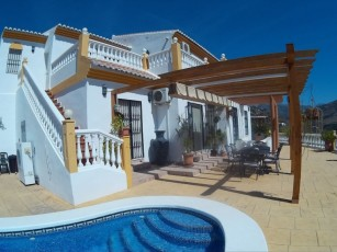 Luxury 5* Villa in tranquil setting, All inclusive introduction price