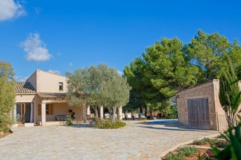 Can Busquerets - Villa With WIFI, Private Pool, BBQ & A/C.