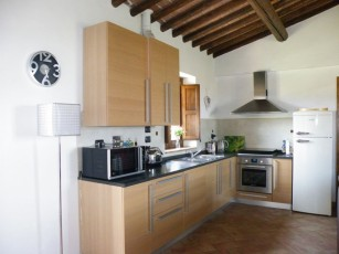 Restored 16th Century Air Conditioned Apartment & Pool with Free WiFi
