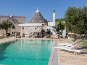 Trullo - private pool - absolute privacy - wifi - drone tour available!