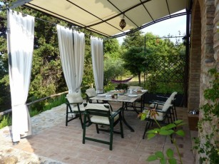 Beautiful country house with excellent views near San Gimignano and natural parks