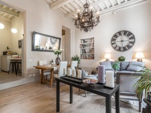 Find sanctuary at extraordinary rates! Luxury Smart Apartment in Central Lucca