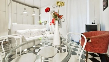 2 bedrooms with 2 matrimonial bed and a sofa for 2 - Family discount applied