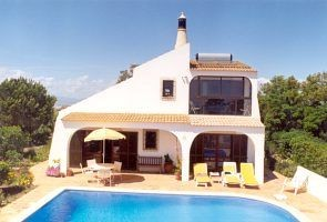 Attractive villa with pool in quiet countryside near sea