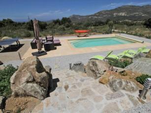 3 bedroom villa with private pool in quiet area
