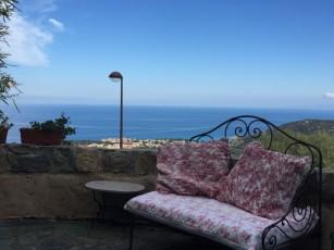 Village house - Monticello - panoramic sea view - terraces and garden
