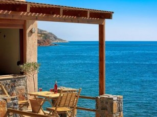 Three spacy 1 studio cottages, seaview, directly on the beach - OLONDI