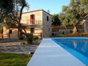 Villa Miguela - Villa With WIFI, Private Pool, BBQ & A/C.