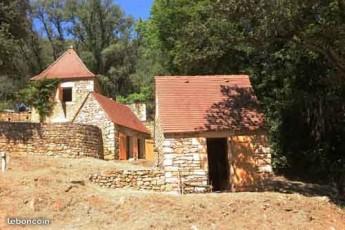 """the philosophers's  hamlet"" : Houses in   private hamlet, Dordogne"