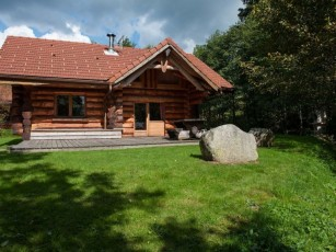 Beautiful log cabin by the river in the Vosges, wifi, fully equipped