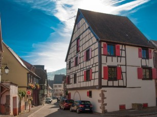 House 5 bedrooms 10 to 14 people 4 **** at the foot of the center of Kaysersberg