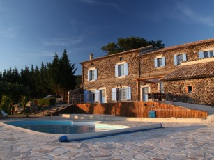Tranquility Country: 400 years old, 6 bedrooms, sleeps 14-16, pool / sauna