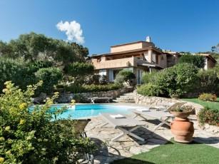 Villa in Porto Rafael with 5 bedrooms sleeps 10