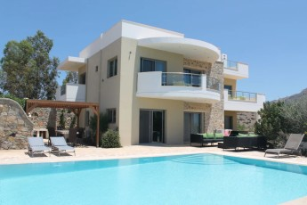 Villa Lagada in Makry Gialos