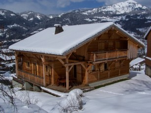 Chalet Perla dé Nà (partial), at the foot of the slopes