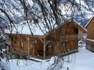 Chalet Perla dé Nà (full), at the foot of the slopes